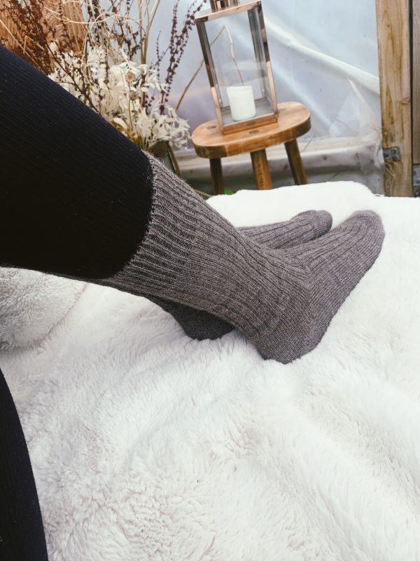 alpaca-wool-socks-full-length